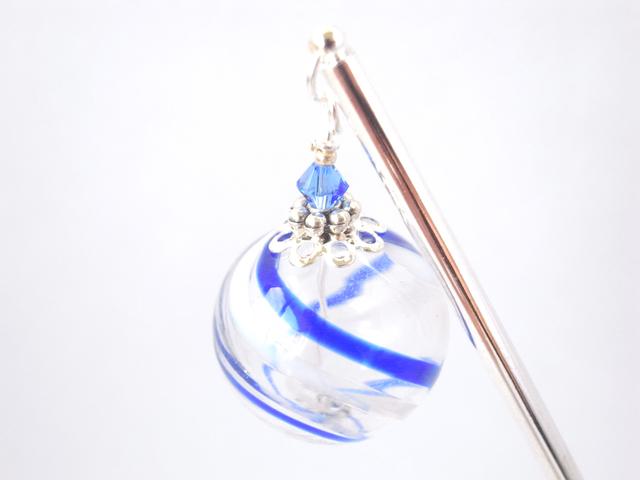夏祭りのヨーヨーの様な青白ストライプの吹きガラスのかんざし 大玉