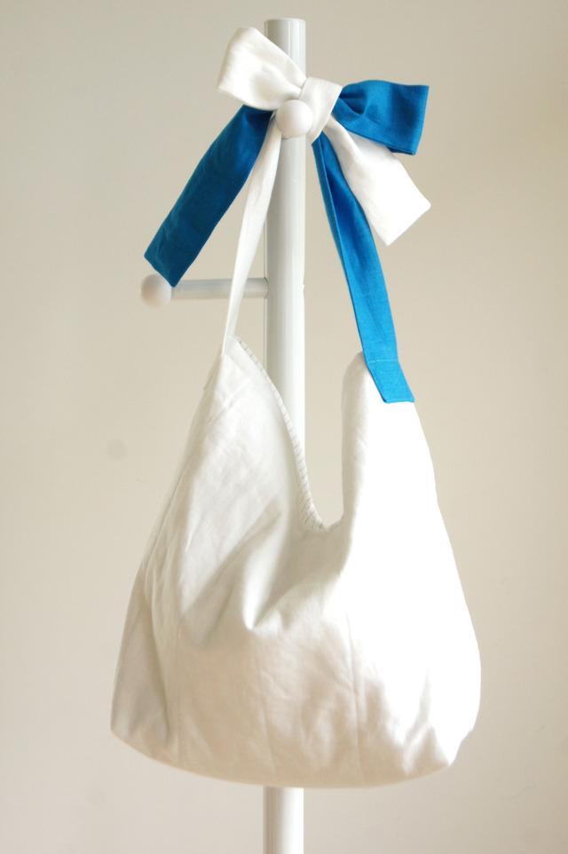 【L】リネンキルティングリボンのバッグ(白×ブルー )