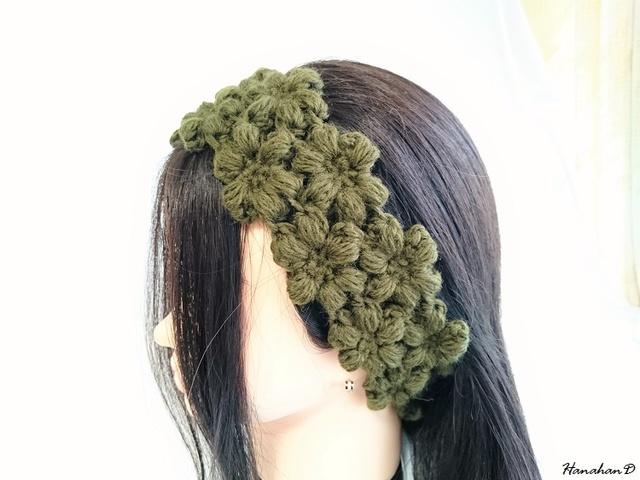 お花のヘアバンド 手編みウールグリーン