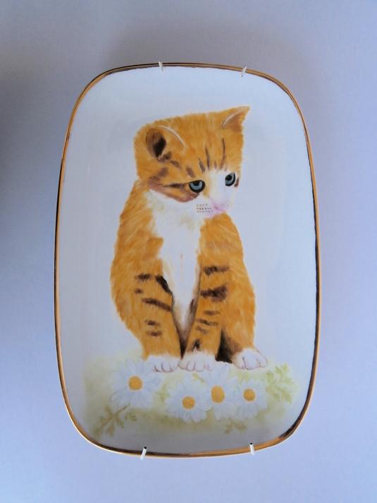 猫の飾り皿