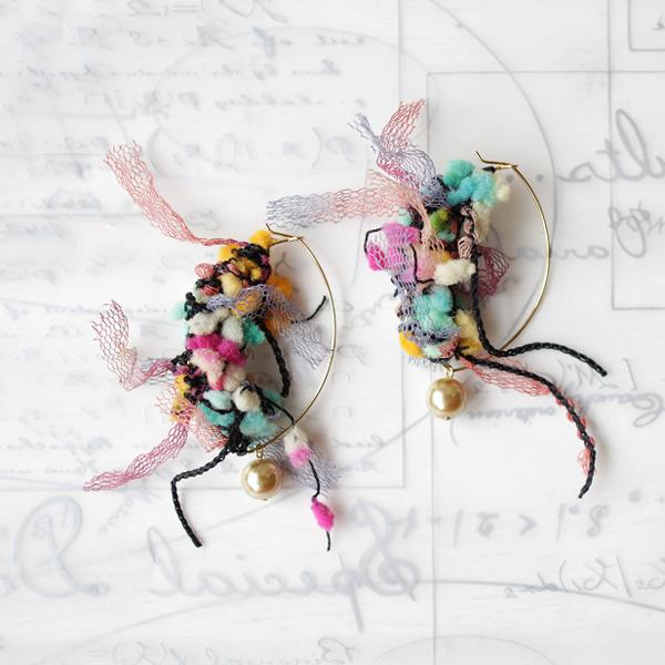 AVRIL糸のフープピアス