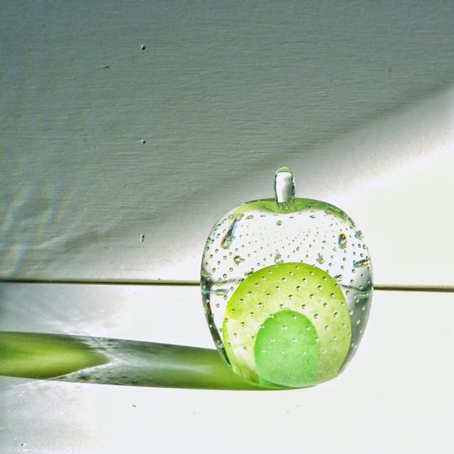 ガラスのリンゴ? 緑