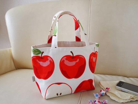 大きな林檎のminiトートバッグ