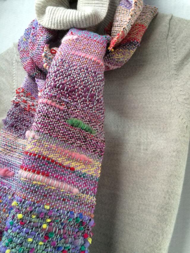 ぽかぽか手織りマフラー ピンクと紫