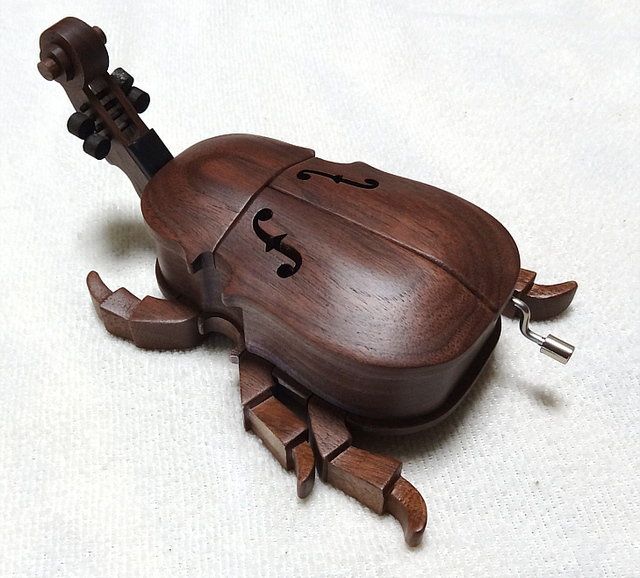 The Beatles in the beetle♪  (Music box)