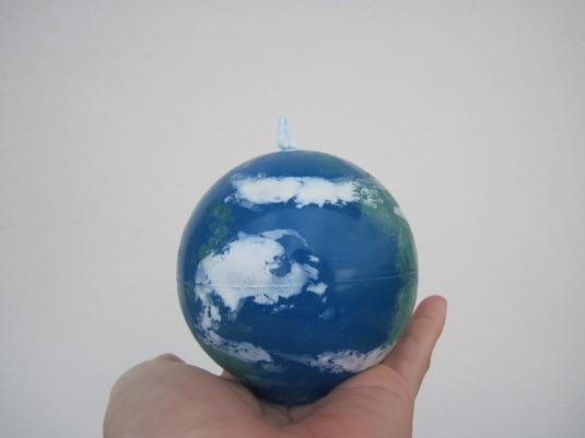 地球はあなたの手の中にろうそく2