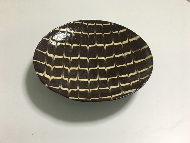 14~15cm スリップウェア 皿(矢羽根)