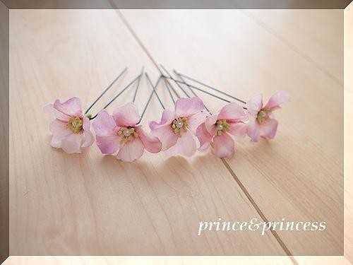 ピンクパープルの花びら ヘアピン