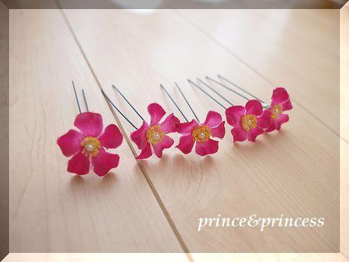 ピンクの花びら ヘアピン