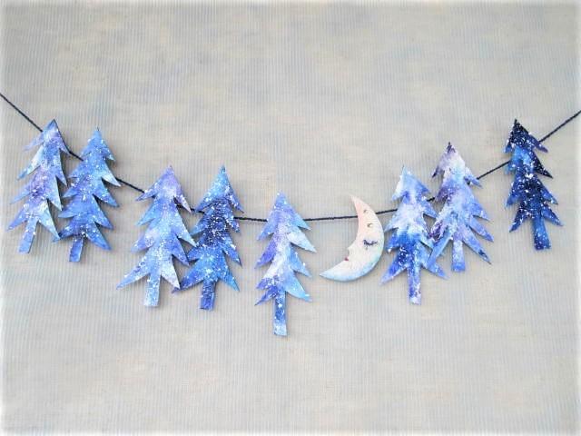 月、森で眠る