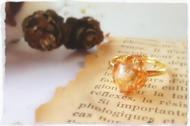 ちいさな秋の草花の指輪
