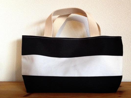 しましまのミニトートバッグ (黒×白)