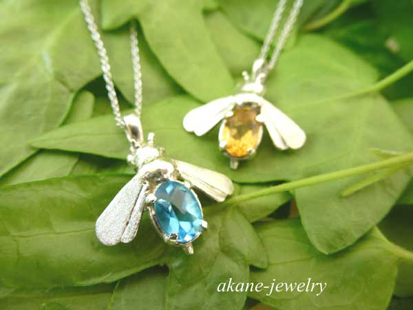 Blue Bee(幸せを運ぶ蜂)