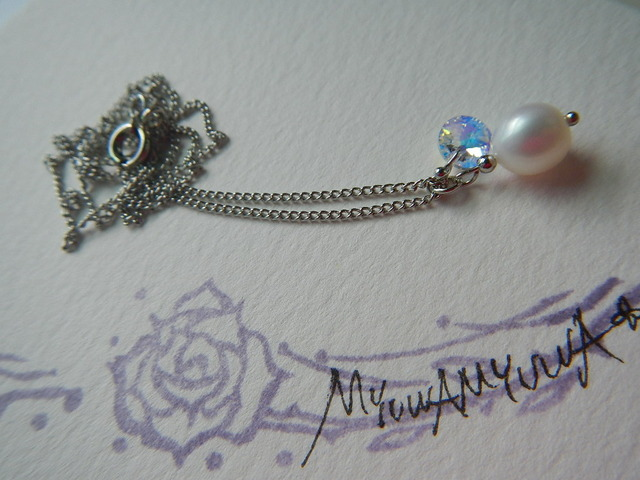 ピュアホワイトの一粒キラリ のネックレス