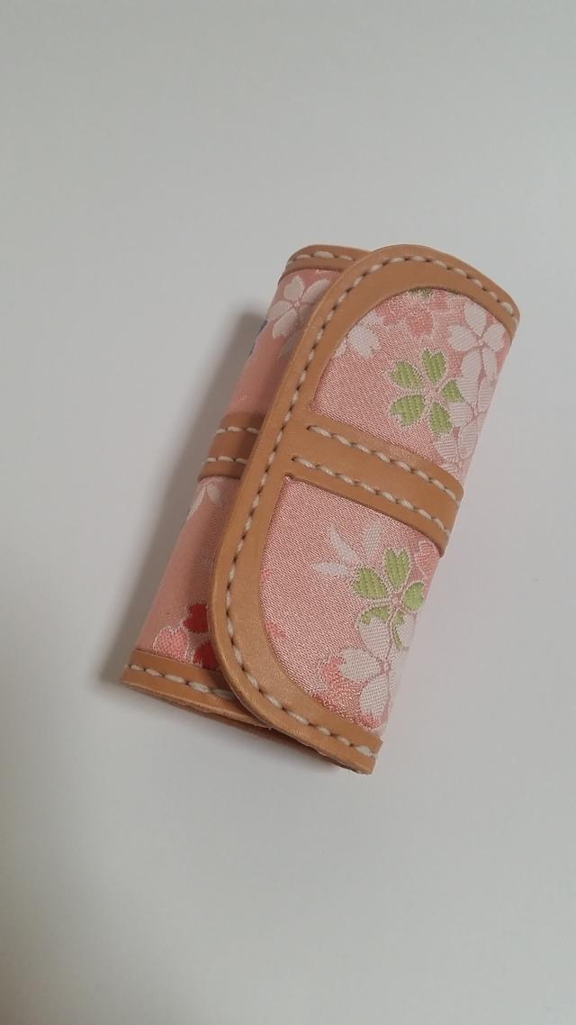 桜和布(金襴)とラティーゴのキーケース