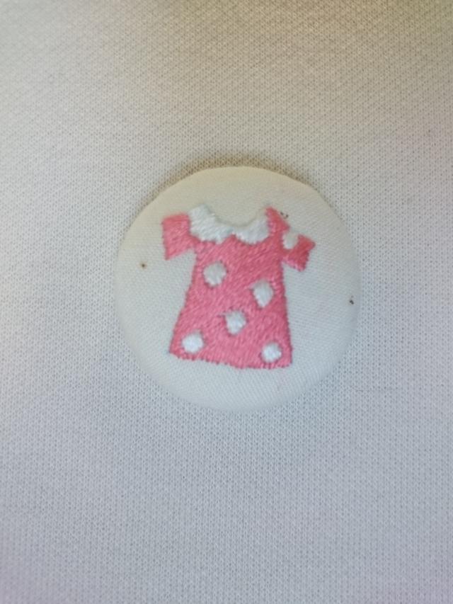 刺しゅう くるみボタン 水玉ワンピース