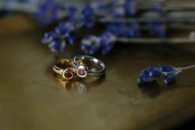 誕生石のBaby ring 1月