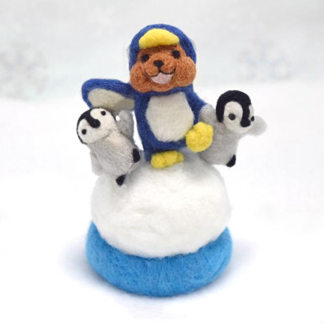 赤ちゃんペンギンと行進するペンギンコグマ