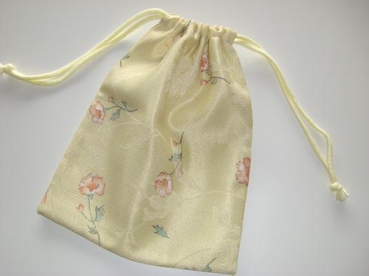 カーテン生地で作った巾着袋