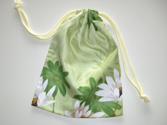 布団側生地で作った巾着袋