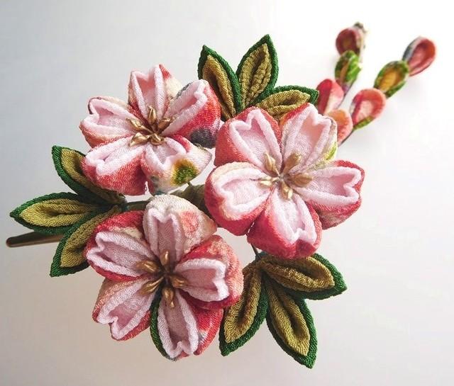 カラフル花柄×薄桜色 桜のくちばしクリ...