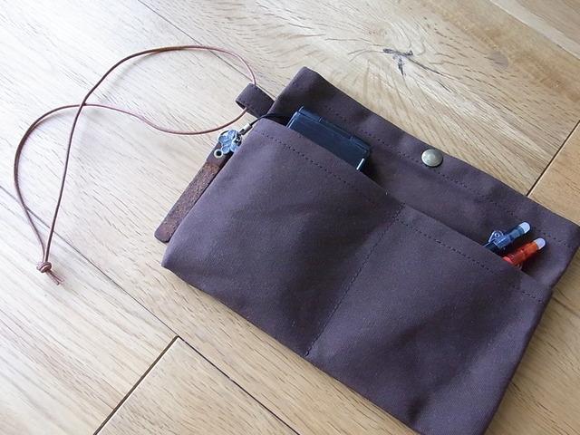 パラフィン帆布のバッグインバッグ 茶色