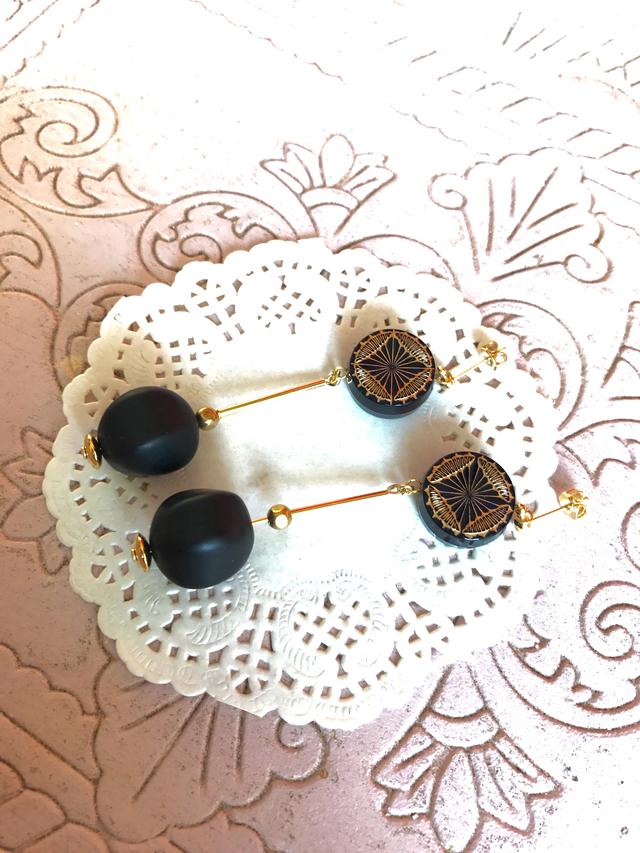 ドイツ製ビーズblack pierce