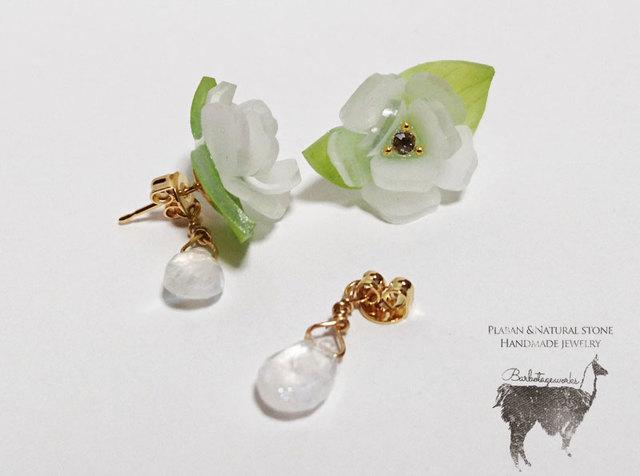 茉莉花と月長石のピアス(イヤリング)