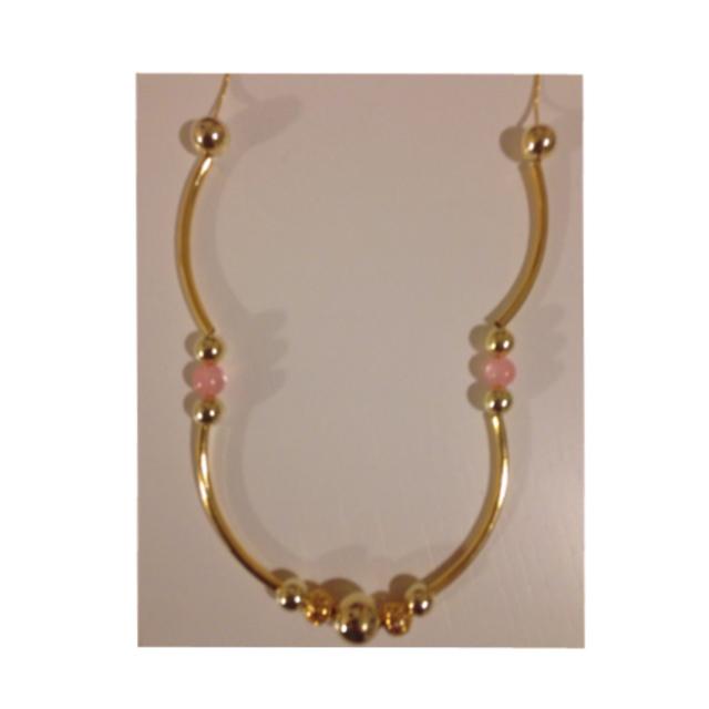 大人かわいい?ゴールドとピンクのネックレス?