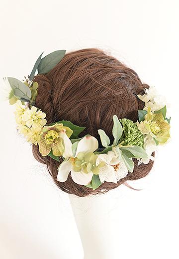 たっぷりグリーンの花かんむり風髪かざり