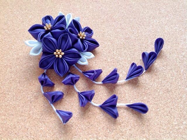 紫の三輪桔梗ヘアクリップ