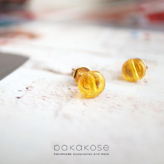 蜂蜜カラーのヴィンテージピアス