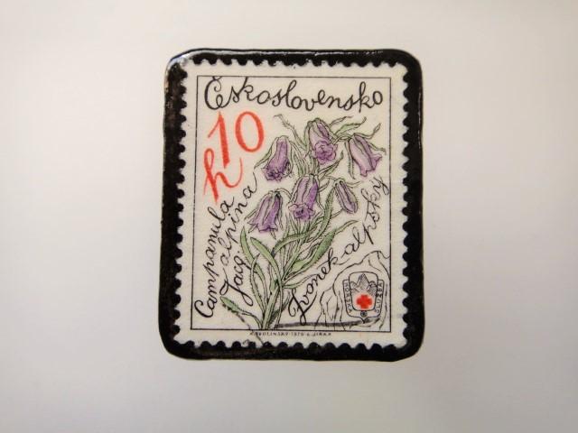 チェコスロバキア 花切手ブローチ2150