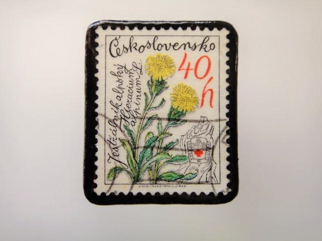 チェコスロバキア 花切手ブローチ2153
