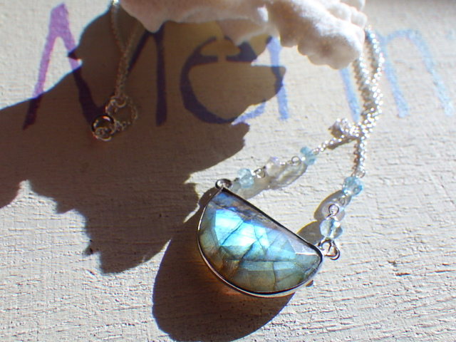 Half Moon Labradorite sv925