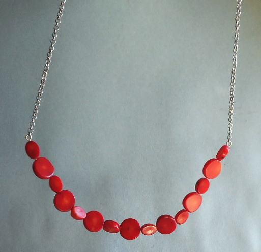 丸と楕円の平赤サンゴを15個組合せペ...