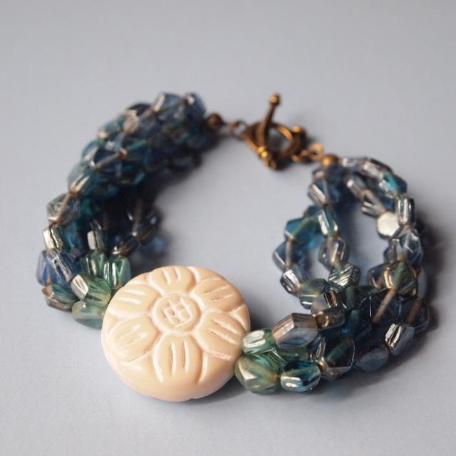 Ocean color bracelet