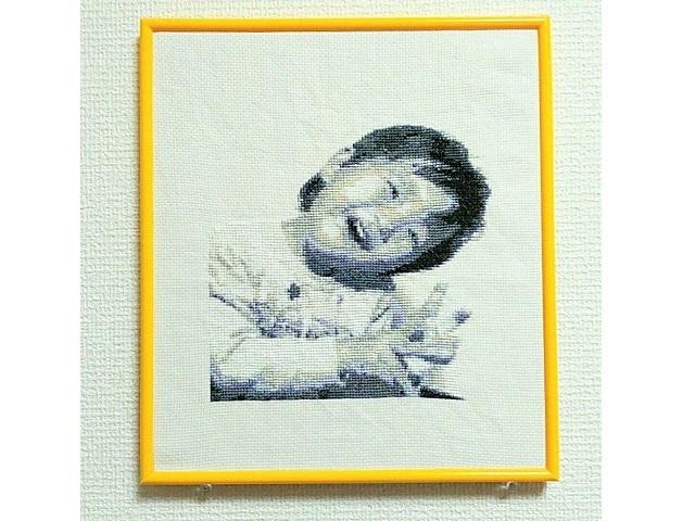 オーダー図案・白黒写真風肖像刺繍のク...