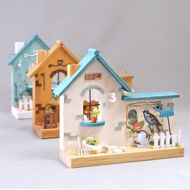 三角屋根のガーデンハウス