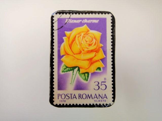 ルーマニア 薔薇切手ブローチ2165