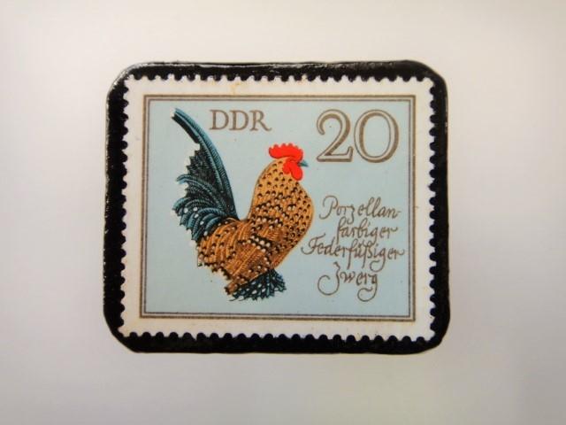 旧東ドイツ 鶏切手ブローチ 2181