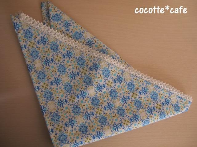 上品モチーフの三角巾