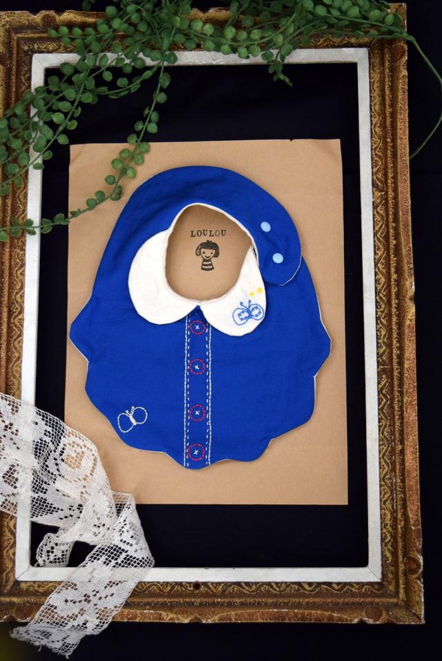 衿付きちょうちょモチーフ刺繍スタイ ダブルガーゼ mokumoku blue
