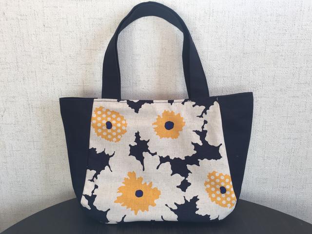 大きな花柄 マチ切替バッグ