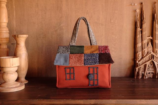 OUCHI box bag S レンガ色のおうち