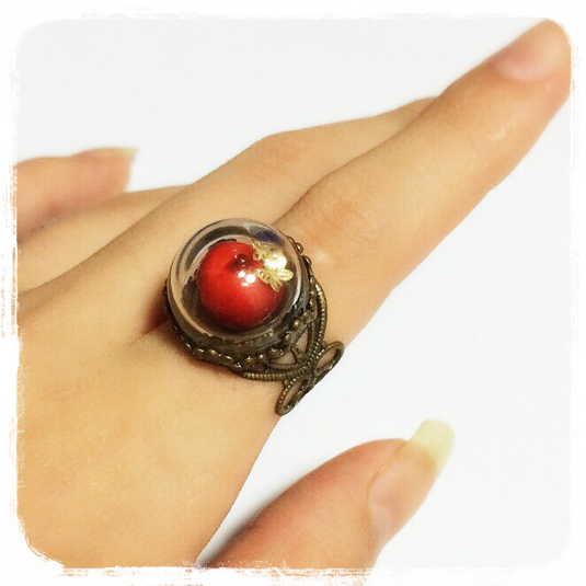 毒りんごの指輪*赤
