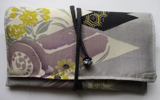 着物リメイク 花柄の帯で作った和風財...
