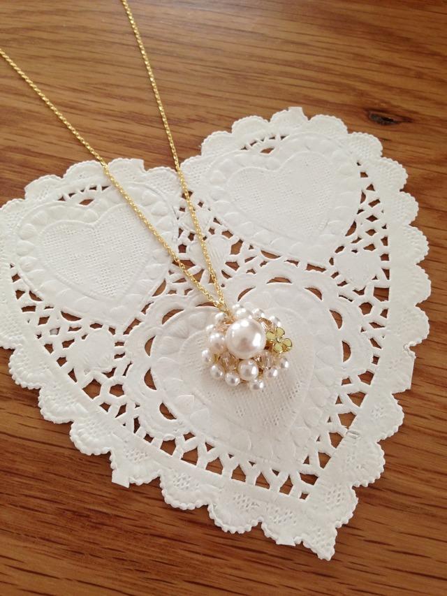 シルキーパールとお花のネックレス&ピアス