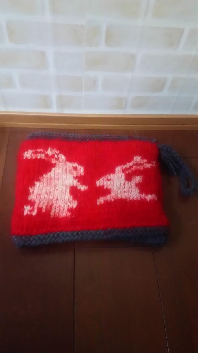 毛糸のクラッチバッグ(うさぎ)