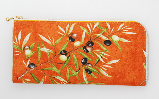布製手縫い財布(オリーブ柄)